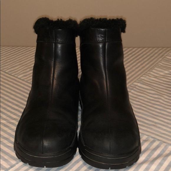 77eeaad0454 UGG Australia Leather Zip Winter Ankle Boots 5385